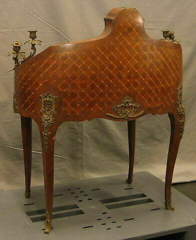 © 2009 Musée du Louvre / Objets d'art du Moyen Age, de la Renaissance et des temps modernes