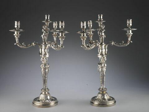 Flambeau à quatre bras de lumière, du service du roi d'Angleterre et de Hanovre George III.d'une paire (OA 10610)