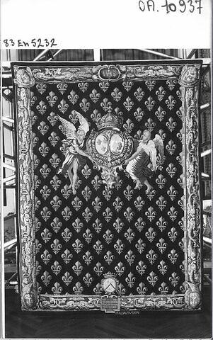 portière à fond fleurdelisé, aux armes de France et d'Aubusson et de la famille Laboreys