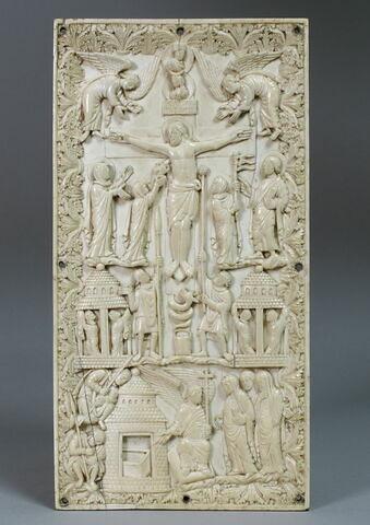 Plaque de reliure : Crucifixion ; Saintes Femmes au tombeau