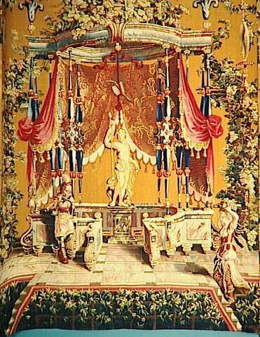 L'Offrande à Bacchus (partie centrale), de la tenture des grotesques sur fond jaune dit tabac d'Espagne