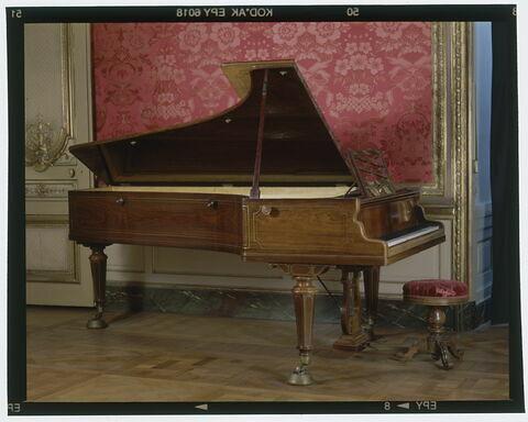 Piano à queue d'Erard.