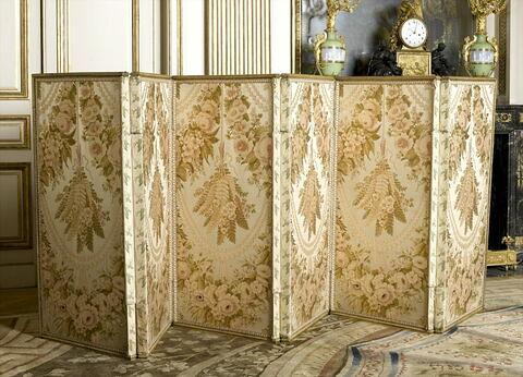 Paravent en bronze doré, à six feuilles de la chambre de Louis XVI à Compiègne