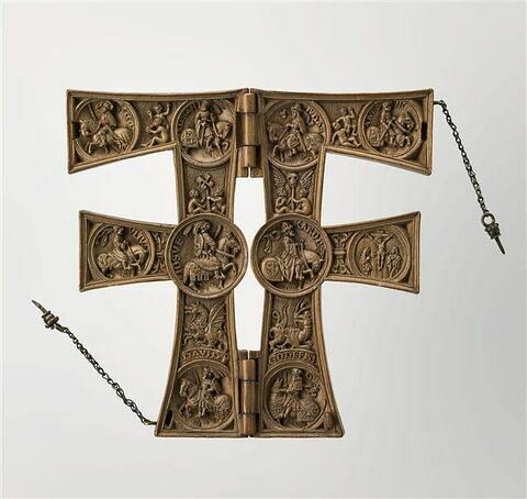 Lettre F (dite de François Ier), s'ouvrant à charnière : La Crucifixion et les neuf preux