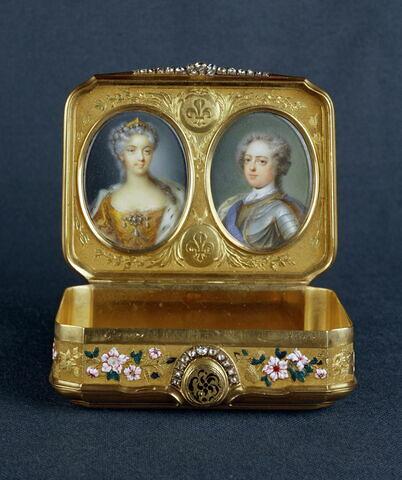 Tabatière aux portraits de Louis XV et Marie Leczinska