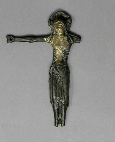 dessus © 2019 Musée du Louvre / Objets d'art du Moyen Age, de la Renaissance et des temps modernes