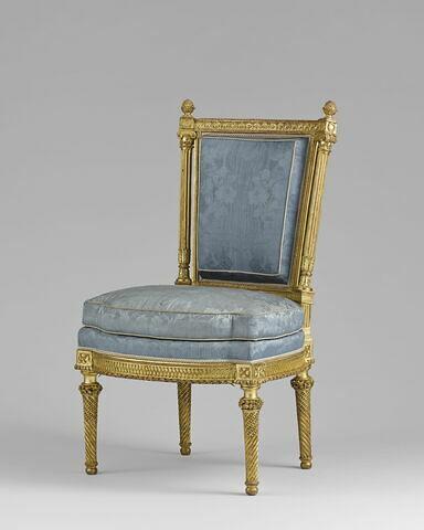 Chaise, d'un ensemble de trois fauteuils et trois chaises en demi cabriolet (avec OA 9452 A à OA 9452 F)