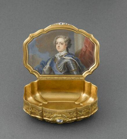 Tabatière au portrait de Louis XV