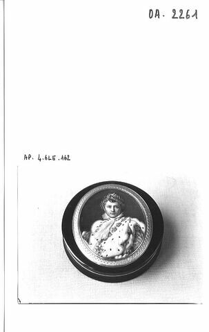 Tabatière ronde : portrait de Napoléon Ier