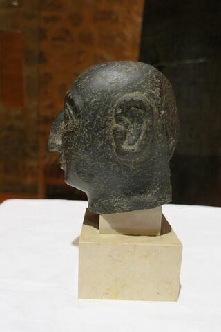 vue d'ensemble ; côté ; profil gauche © 2018 Musée du Louvre / Antiquités orientales