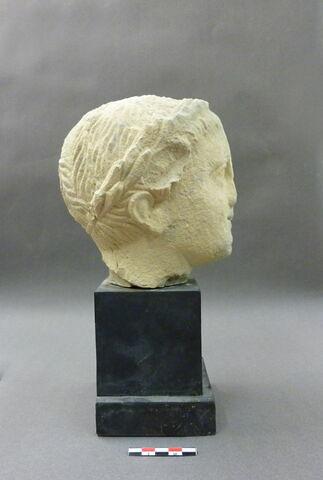 profil droit © 2010 Musée du Louvre / Antiquités orientales