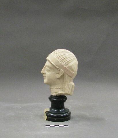 profil gauche © 2009 Musée du Louvre / Antiquités orientales