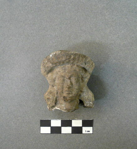 fragment ; figurine ; tête