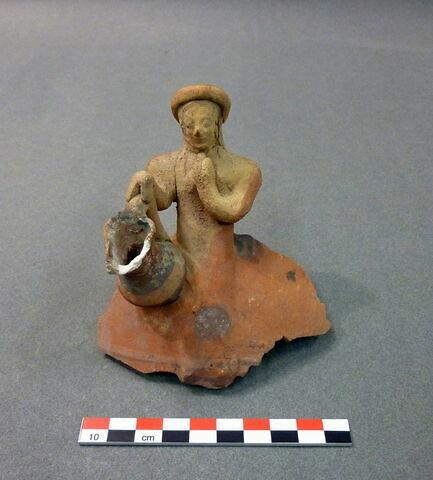 vase  ; figurine ; applique