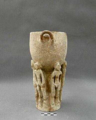 vase ; statue
