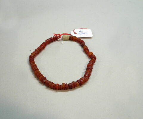 perle ; collier