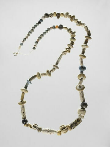 collier ; perle
