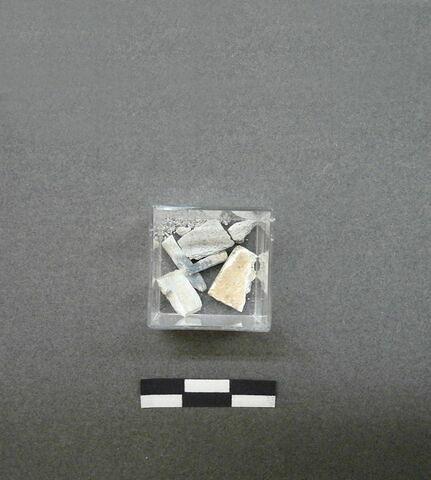 plaquette ; cheville décorative