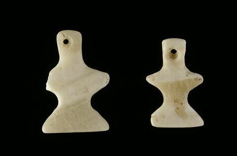 pendeloque ; pendentif ; figurine