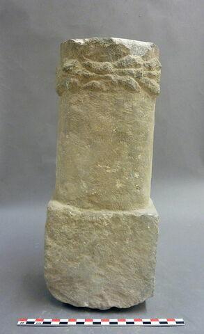 dos, verso, revers, arrière © 2010 Musée du Louvre / Antiquités orientales