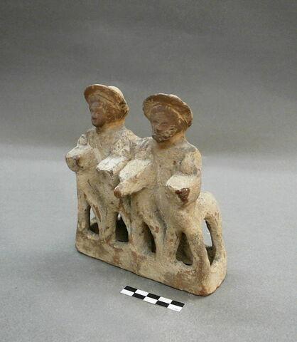trois quarts © 2009 Musée du Louvre / Antiquités orientales