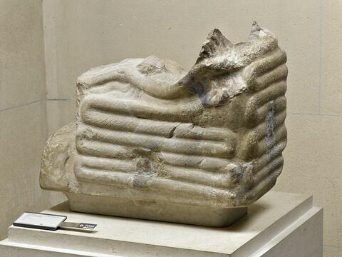 trône ; statue