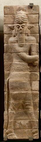 panneau de briques  ; élément du décor architectural