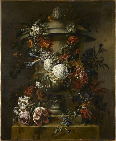 Vasque enguirlandée de fleurs