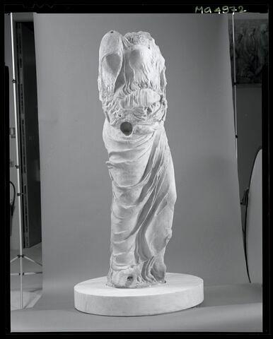 trois quarts gauche © 2002 Musée du Louvre / Patrick Lebaube