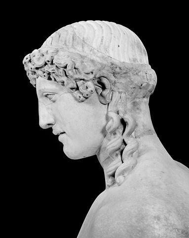 profil gauche ; détail © 1999 Musée du Louvre / Christian Larrieu