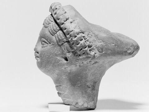 profil ; détail © 2008 Musée du Louvre / Patrick Lebaube