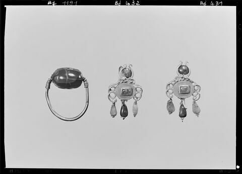 face, recto, avers, avant © 1973 Musée du Louvre / Maurice et Pierre Chuzeville