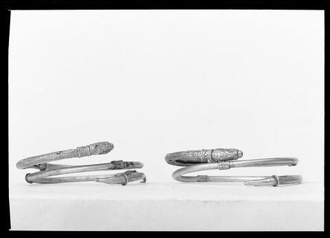 face, recto, avers, avant © 1980 Musée du Louvre / Maurice et Pierre Chuzeville