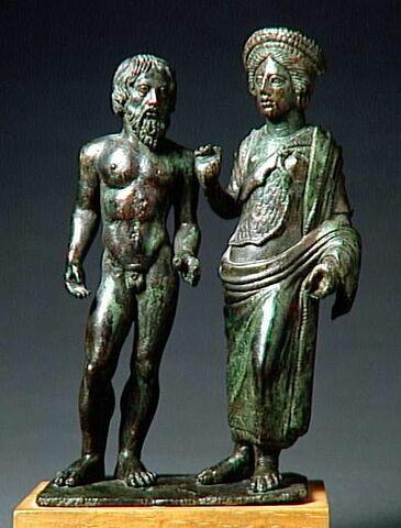 groupe de statuettes