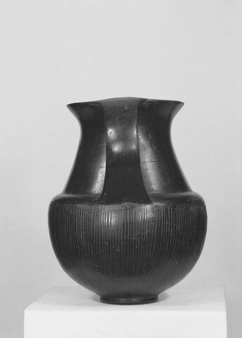 profil © 1981 Musée du Louvre / Maurice et Pierre Chuzeville