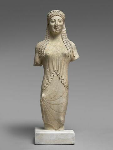 "moulage ; statue ; Corè Acr. 678,  dite ""xoanisante""."