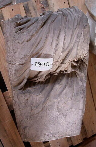 """moulage ; décor architectural ; statue ; Figure """"T"""""""