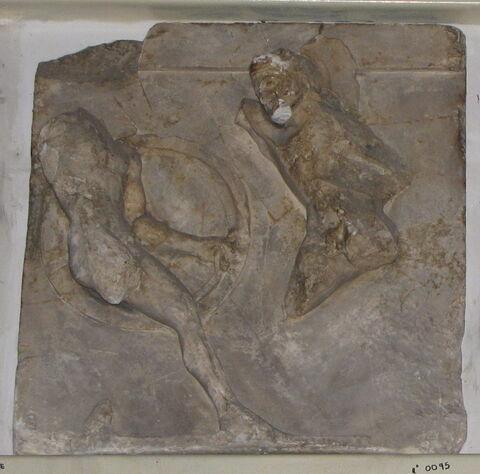 moulage ; métope ; Métope d'Héraklès contre Cycnos.