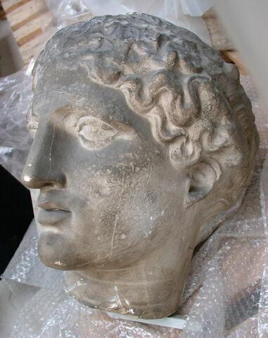 profil gauche © 2007 Musée du Louvre / Antiquités grecques, étrusques et romaines