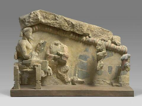 """moulage ; décor architectural ; fronton ; Relief dit de """"l'Apothéose d'Héraclès""""."""