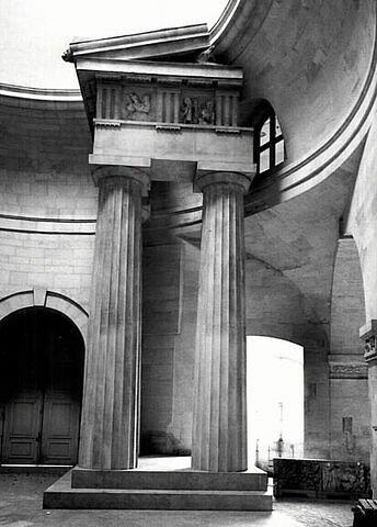 moulage ; colonne ; entablement ; fronton