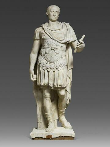 moulage ; statue ; Jules César ?