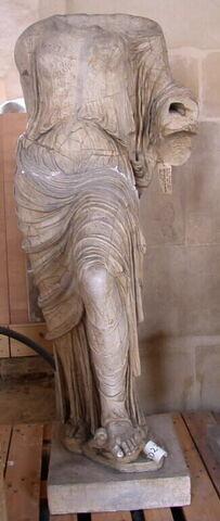 statue ; Aphrodite Brazza