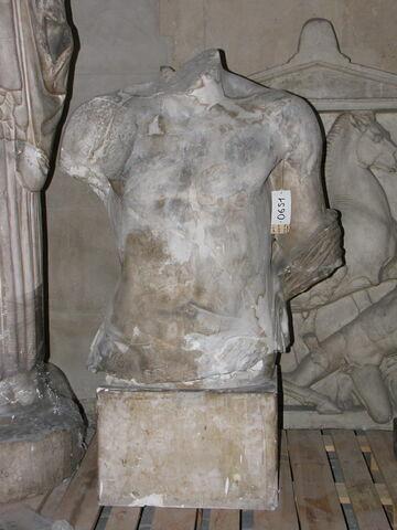 moulage ; décor architectural ; statue  ; torse