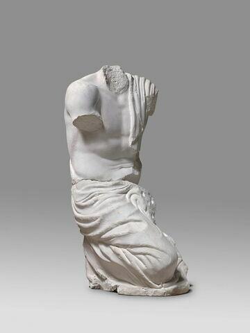 """décor architectural ; statue  ; Figure """"C""""."""
