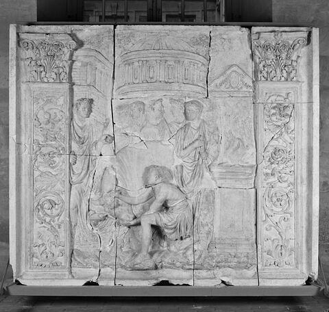 "moulage ; relief architectural ; Relief  de ""l'Ara Pietatis Augustae"" / ""Autel de la Pietas Augusta"" dit ""relief Medicis""."