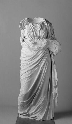 """moulage ; statue ; """"Pseudo-Artémis"""" de Delphes ou """"Thémis"""""""