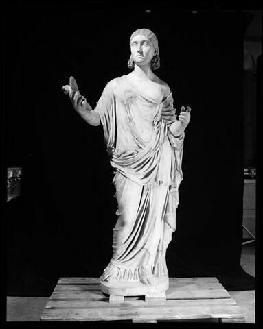 face, recto, avers, avant © 1991 Musée du Louvre / Christian Larrieu