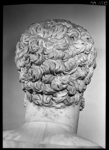 dos, verso, revers, arrière © 1989 Musée du Louvre / Maurice et Pierre Chuzeville