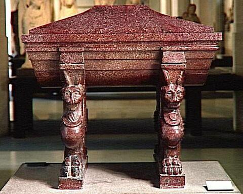 urne ; couvercle d'urne ; Tombeau du comte de Caylus